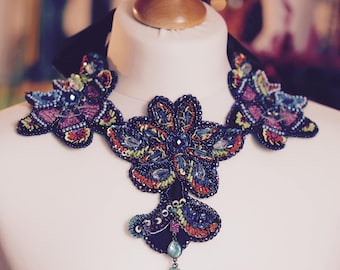 Beautiful and colourful collar necklace. A one fo a kind handmade jewellery