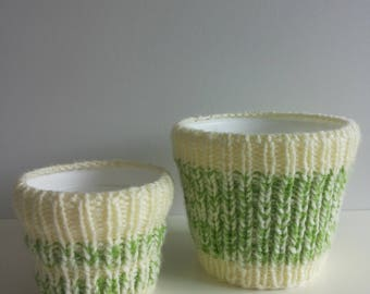 Knitted flower pot
