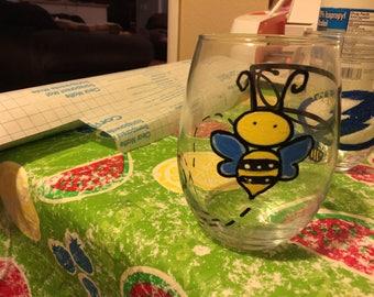 Bee wineglasses