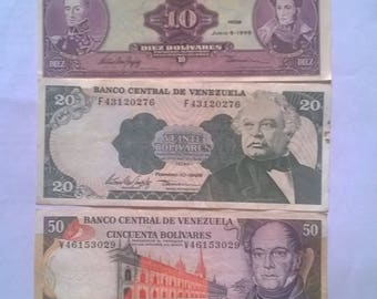 Game of banknotes of 5, 10, 20, 50 and 100 bolívares, paper money