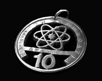 Pendant Atom! currency Greece