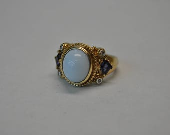 Vintage 14KT Yellow Gold Ring with Opaque Light Blue Center Stone