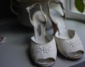 """1950s White """"Dorris"""" Marquise Original Heels"""