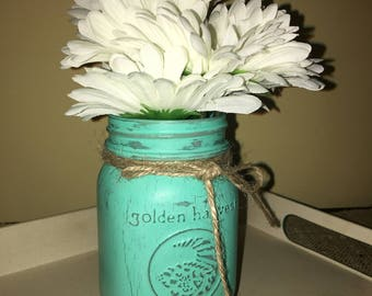 A Mason Jar Vase for any Occasion
