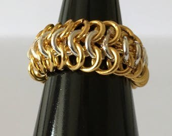 Never-ending 2 tone Chain Maille Ring
