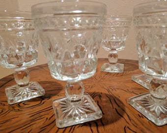 Set of 6 Vintage cordial glasses, pressed glass, square bottom.