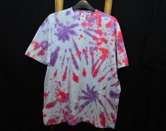 Handmade tie dye t-shirt (x-large)