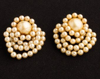 Vintage Metal String Faux Pearl earrings