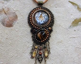 Tiger pendant necklace.