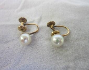 Vintage Designer Richleau Gold Filled & Real Pearl Screw Back Earrings