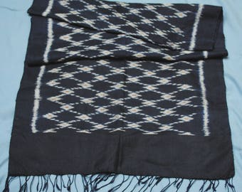 Scarf, dark navy blue silk with woven white pattern, 18x68 in very good condition