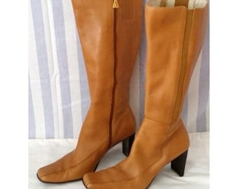 Vintage Anne Klein Tan Leather Boots, Chunky Heels, Square Toes.  9.5M 9-1/2 Medium.  Retro, 70s, 1970s   001