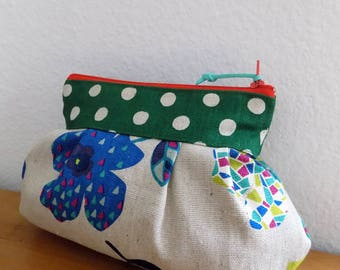 Dot in Green (Flower Pattern) - Zipper Pouch with Clip