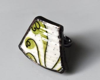Broken China Ring - Green and White