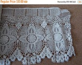 CLEARANCE - White scallop lace, 6.5 x65 inches