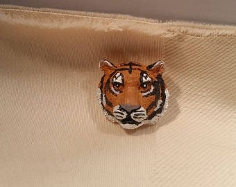 Tiger Head Shank Button