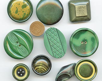 GREEN Celluloid Buttons Vintage Lot of (10) 1930s and 1940s 3807