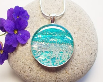 Pendant Necklace Turquoise Iridescent Circle