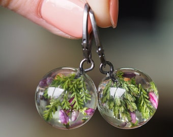 Heather Round Earrings, Forest Jewelry with Moss and Heather Embedded in Clear Resin