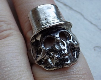 FREE SHIPPING Vintage Skull Smoking Top Hat Skeleton Ring Silver Metal - Size 10.5