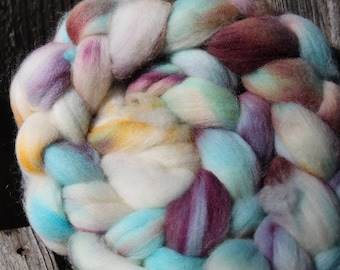 Kettle Dyed Falkland Wool Top.  Soft and easy to spin. 4oz  Braid. Spin. Felt. Roving. F153