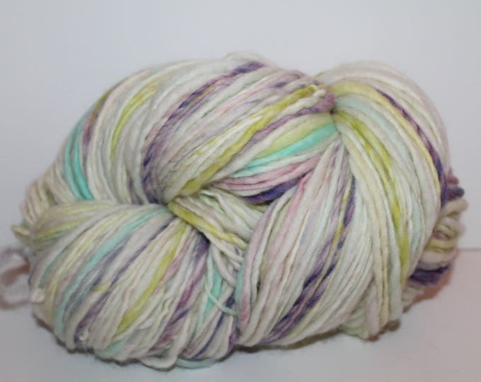 Handspun Cheviot Wool Yarn.  Single Ply Worsted Weight. Huge 1lb. Skein. No Knots.  1lb/498 yards