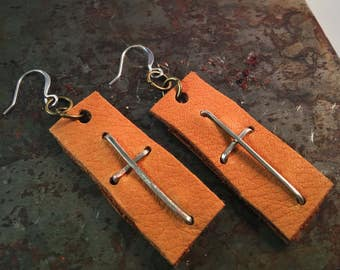 Hammered wire and leather cross earrings