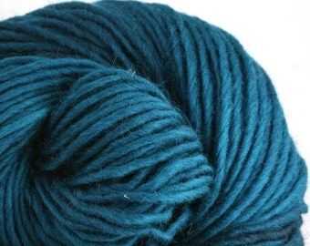 Brunswick Hand Dyed chunky weight 70/30 Corriedale wool Mohair blend yarn 140 yds 4oz Sea Bottom
