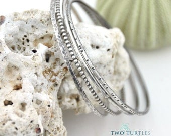 The Glass Turtle - Notches & Bubbles  - 4 Sterling Silver Stacking BANGLES