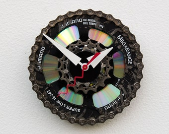 Recycled Bike Gears clock, wall clock, industrial design, bike parts clock, bicycle wall art, upcycled bicycle parts, handmade bike gift