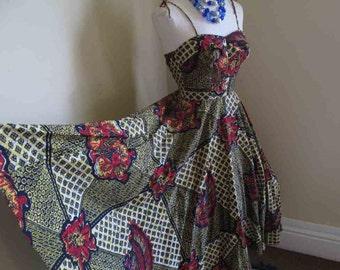 50s Batik Sundress Vintage Batik print dress 50s Tiki dress 50s Sweetheart sundress Tie shoulders Circle skirt Vintage Jamaica dress S M