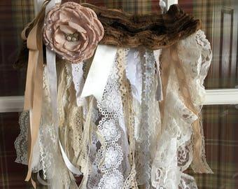Grapewood Lace Wall hanging