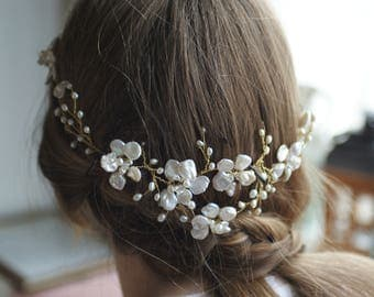 Bridal hairpiece, bridal hair accessories, bridal hairvine, wedding, handmade, pearls, accessories, flowers, gold