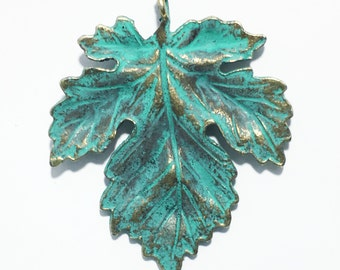 4 pcs of Antique Brass Maple  leaf pendant 35x40mm, bluing leaf pendant, Verdigris Patina