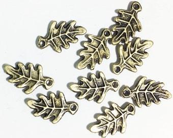 20 pcs of antique bronze Oak Leaf charm 9x15mm, bulk leaf charm, antique brass alloy leaf charm