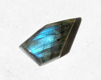 Labradorite Cabochon Asymmetric Custom Gemstone Cabochon For Jewelry Making