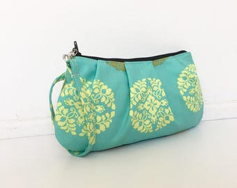 Pleated Wristlet Zipper Pouch // Clutch - Pressed Flowers in Meadow