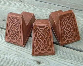 Celtic Knot Pot Feet (Red) set of three