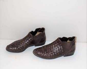 brown woven leather ankle booties 90s vintage slip on almond toe chelsea boots