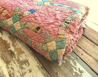 Vintage Quilt - Twin Size - Double Wedding Ring Pattern - Hand Pieced - Hand Quilted - Pink with Paisley Backing Fabric