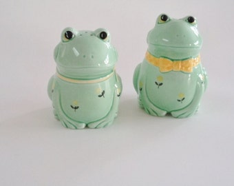 Otagiri Japan Frog Salt & Pepper Shakers