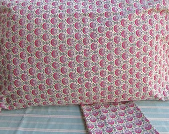 Pair of Cotton Pillowcases, Small Design Shaped Circle and Foliage, 2 Standard Size Pillowcases,  Bedding, Bedroom Decor