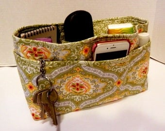 Quilted Purse Organizer Insert With Enclosed Bottom Large -  Sage Green Print