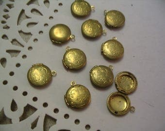 10 Vintage Brass Circle Lockets Jewelry Supplies