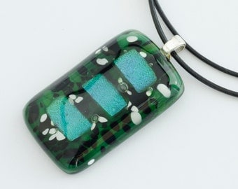 Green Fused Glass Pendant / Fused Glass Necklace / Fused Glass Pendant / Statement Jewelry / Fused Glass Jewelry / Gift For Her /