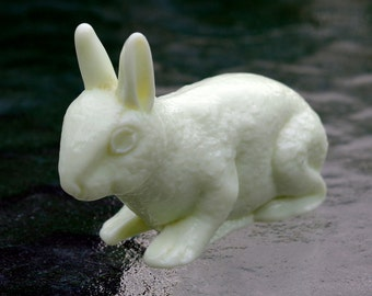 Custard Glass Rabbit Figurine