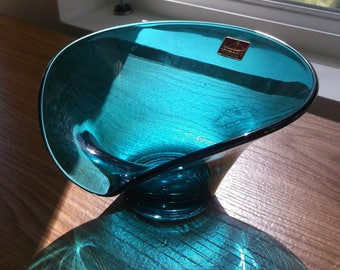 Teal Blue Viking Glass bon bon dish, Vintage, Art Glass, Epic line, Like New, Original Stickers