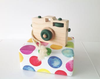 Wooden Toy Camera, Wood Camera, Toddler Toy, Handmade Toy, Baby Gift, Camera Prop, Green