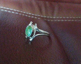 Alluring green turquoise ring in sterling #6-1/4