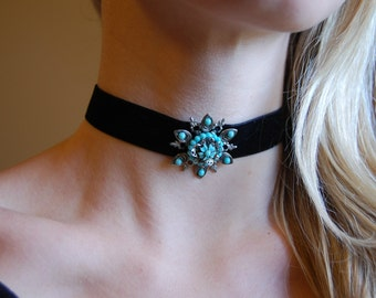 Black Thick Velvet Choker Necklace with Vintage Turquoise and Silver Flower Pendant